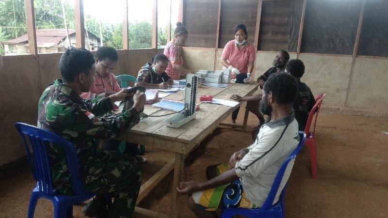 Pengobatan Gratis Satgas Yonif 406, Cegah Malaria di Papua