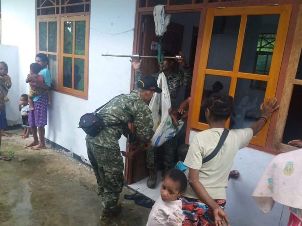 Peduli Tumbuh Kembang Balita Papua, Satgas Yonif 509 Gelar Posyandu di Bompay