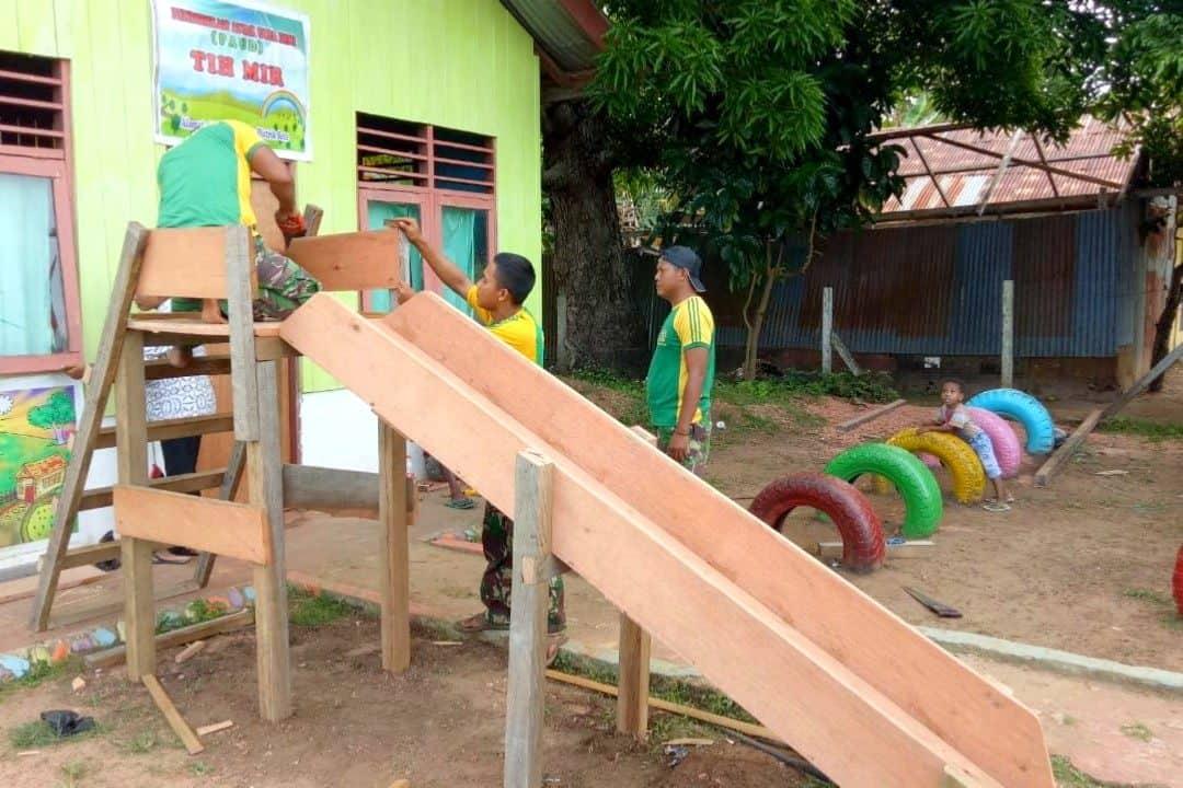 Anak Papua Ceria Bersama Satgas Yonif MR 411