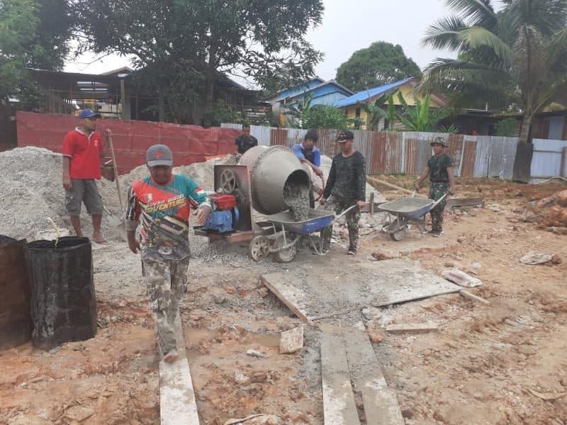 Toleransi di Papua, Warga dan Satgas Yonif 406 Gotong Royong Bangun Masjid
