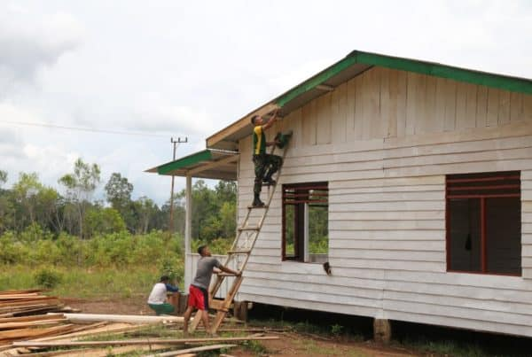 Tingkatkan Ekonomi Warga Papua, Satgas Yonif 411 Bangun Koperasi