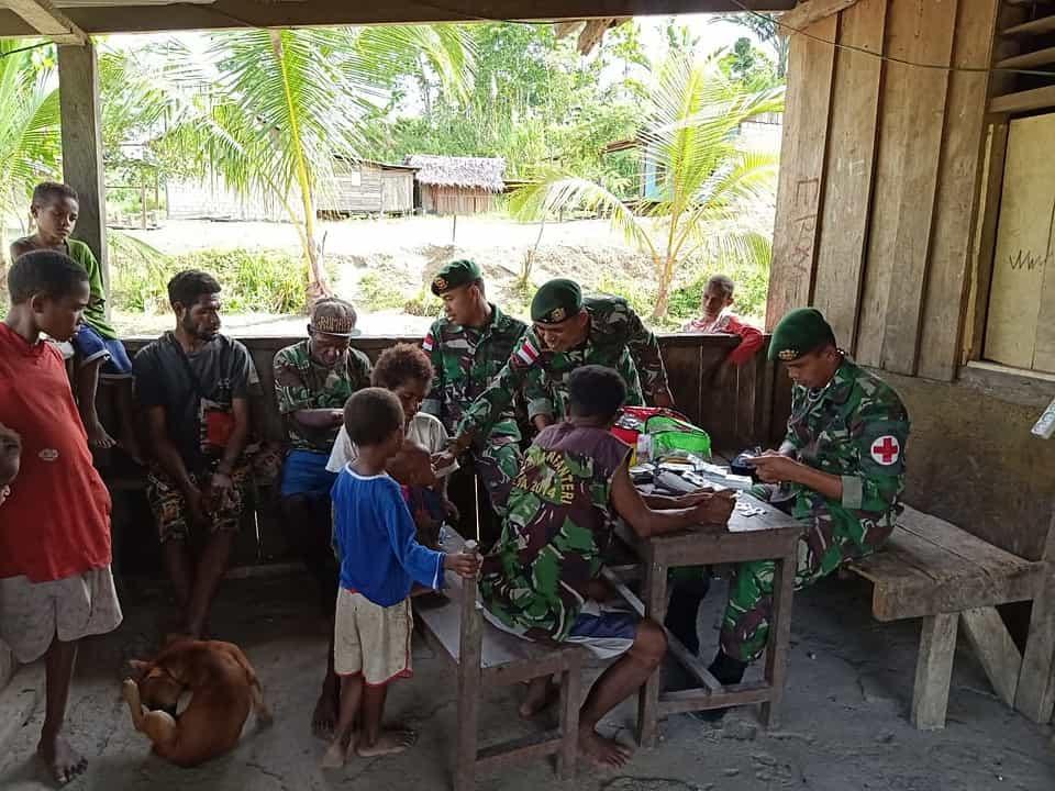 Yankes _Door to Door_, Satgas Yonif R 509 Permudah Warga Papua