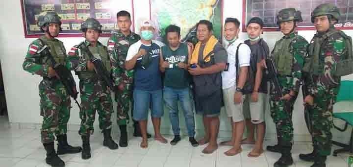 Bawa Sabu, Pelintas Batas Dari Malaysia, Diamankan Satgas Pamtas Yonif R 641