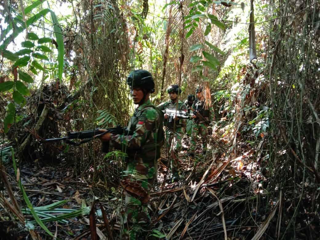 Jelajahi Papua, Satgas Yonif 713 Patroli Perbatasan