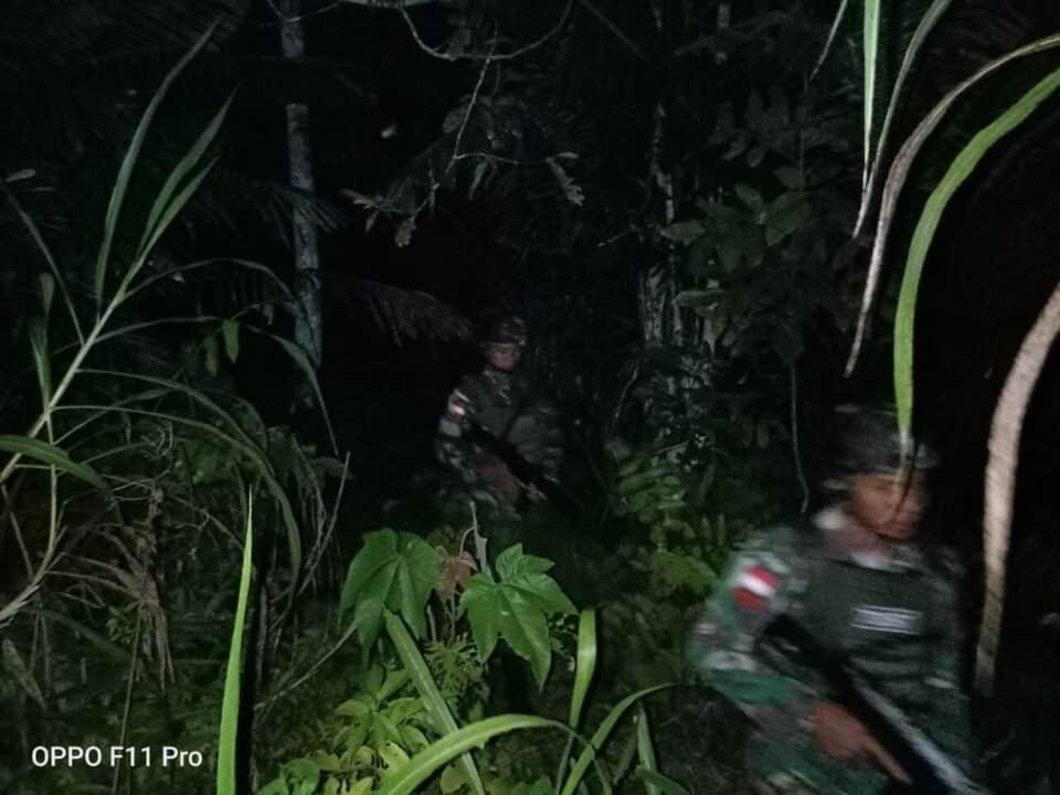 Patroli Sahur Satgas Yonif 713, Jamin Papua Aman