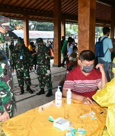 Gelar Rapid Test, Kodam Brawijaya Tekan Penyebaran Covid-19 di Surabaya