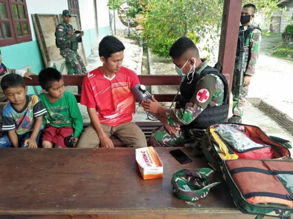 Cek Kesehatan Anak Panti Asuhan, Satgas Yonif 713 Jamin Masa Depan Papua