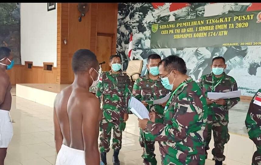 Rony Kabarjay Lulus Test Prajurit TNI AD, Mimpi Anak Yatim Piatu Suku Yeinan Terwujud