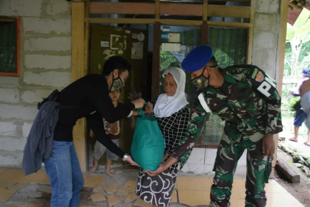 Door to Door, Yon Pomad Bagikan Sembako Berisi Telur dan Tempe Hasil Prajurit