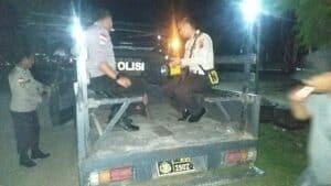 Terluka Akibat Parang, Tangan Misie Diobati Satgas Yonif 713