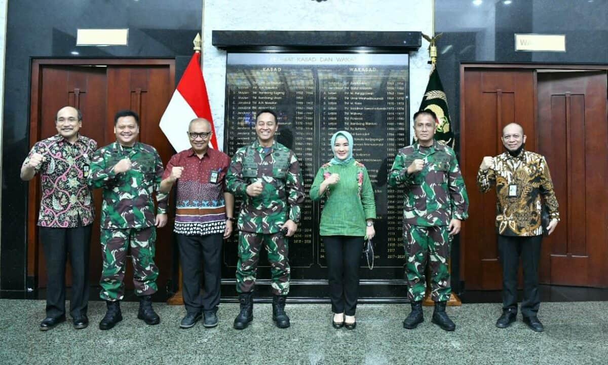 TNI AD Terima Bantuan 48.000 Perlengkapan Kesehatan dari Pertamina Peduli Kasad : TNI AD Siap Bantu Pertamina.