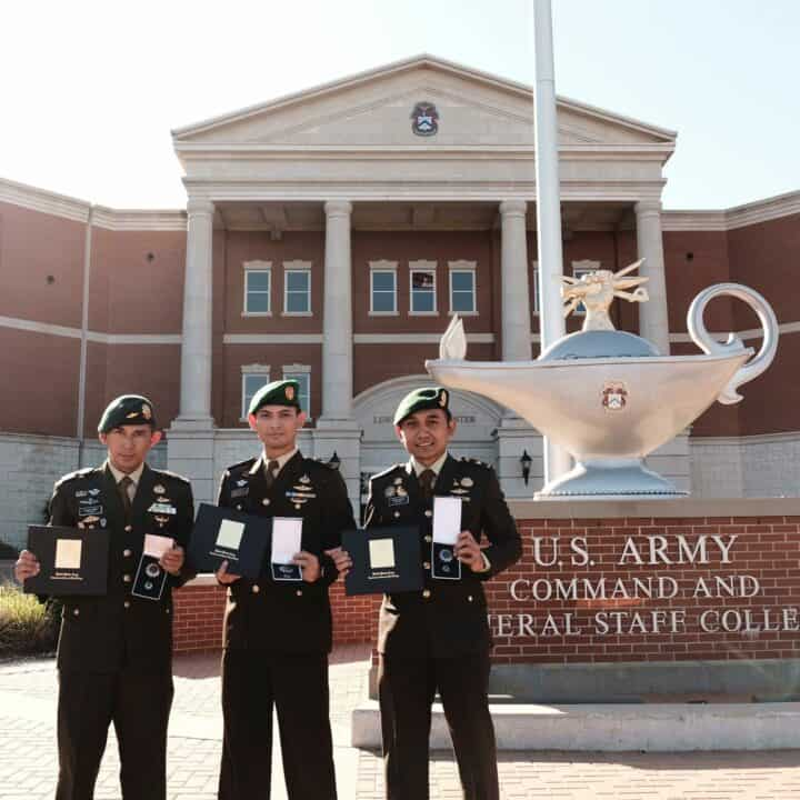 Raih Double Degree, 3 Perwira TNI AD Lolos Dari Lubang Jarum US Army