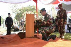 Kasad Pimpin Upacara Pemakaman Alm Jenderal TNI (Purn) Pramono Edhie Wibowo