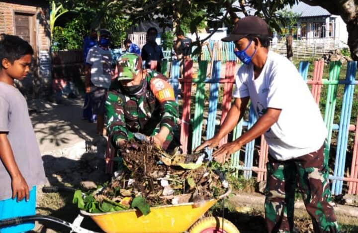 Jelang Lomba Kampung Sehat, Babinsa Kodim 1607/Sumbawa Ajak Warga Gotong Royong