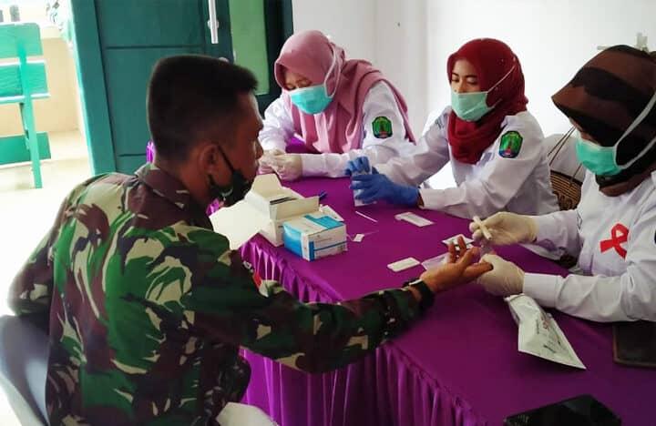 Personel Pos Salang Satgas Yonif 623 Jalani Pemeriksaan Penyakit Menular HIV/AIDS