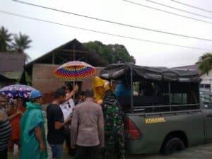 Banjir Melanda Masama, Prajurit Kodim Luwuk Banggai Evakuasi Warga
