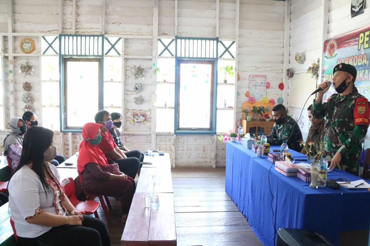 Tekan Peredaran Narkoba, Satgas Yonif R 200 Beri Penyuluhan Kepada Masyarakat Perbatasan
