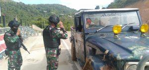 Pemeriksaan Rutin, Satgas Yonif 623 Cegah Masuknya Barang Ilegal di Perbatasan