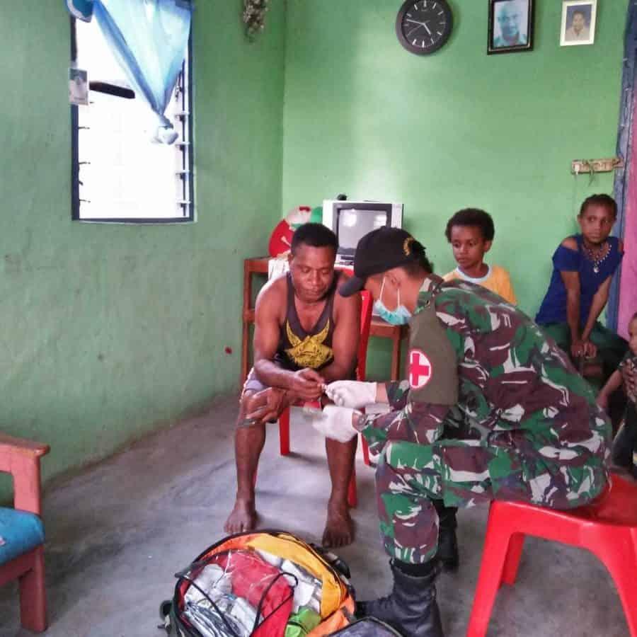 Jelang Purna Tugas, Satgas 509 Gelar Yankes Door To Door di Kampung Warlef