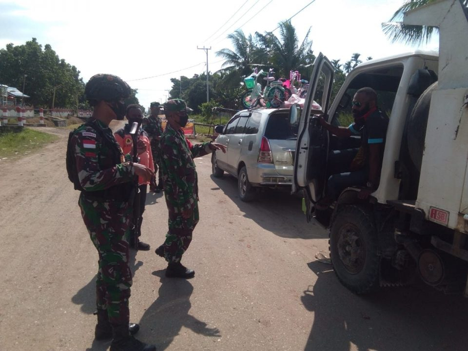 Aktivitas Satgas Yonif 754 Kostrad di Posko Covid-19 Pintu masuk Kabupaten Sarmi
