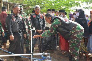 Atasi Kebutuhan Air Bersih, Korem 162/WB Bantu Sumur Bor untuk Warga