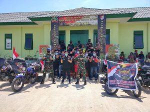 Gandeng Club Motor, Satgas Yonif RK 744 Bagikan Sembako di Perbatasan