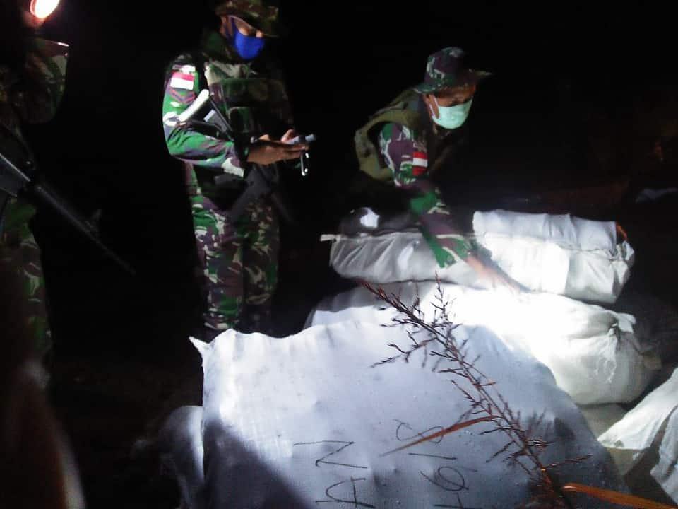 Satgas Yonif R 641 Gagalkan Penyelundupan Lelong Asal Malaysia
