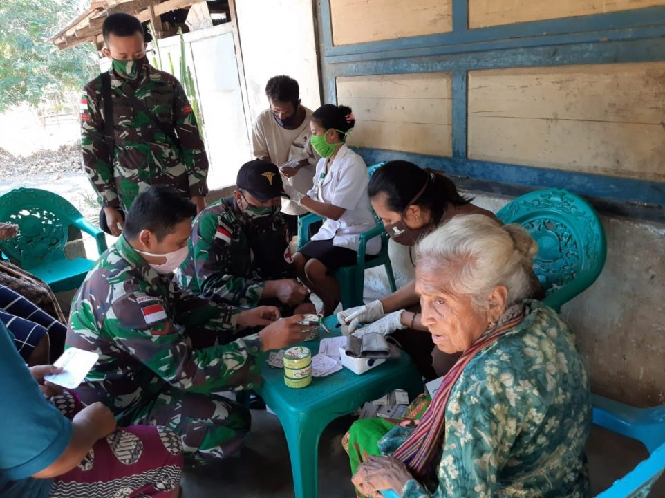 Satgas Yonarmed 3/105 Tarik Jamin Kesehatan Masyarakat Perbatasan RI-RDTL