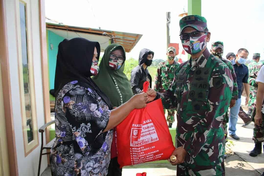 Bantuan Kasad Untuk Korban Bencana Alam Puting Beliung