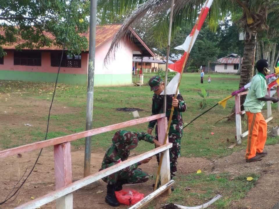 Jelang Peringatan HUT ke – 75 RI, Satgas Pamtas Yonif 125 Tanamkan Gotong Royong Siswa SD