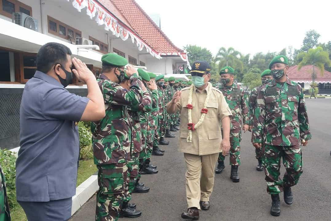 Wakasad Dampingi Menhan Berikan Ceramah Pembekalan Siswa Seskoad
