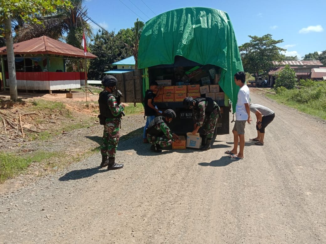 Antisipasi Penyelundupan di Perbatasan, Satgas Pamtas Yonif 623/BWU Intensifkan Pemeriksaan