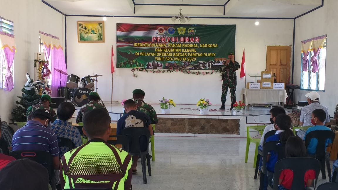 Tangkal Radikalisme dan Penyalahgunaan Narkoba, Satgas Yonif 623 Berikan Penyuluhan Kepada Warga Perbatasan