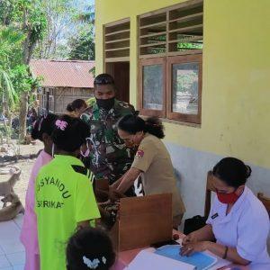 Peduli Kesehatan ibu dan Anak, Satgas Yonif RK 744/SYB Gelar Posyandu di NTT