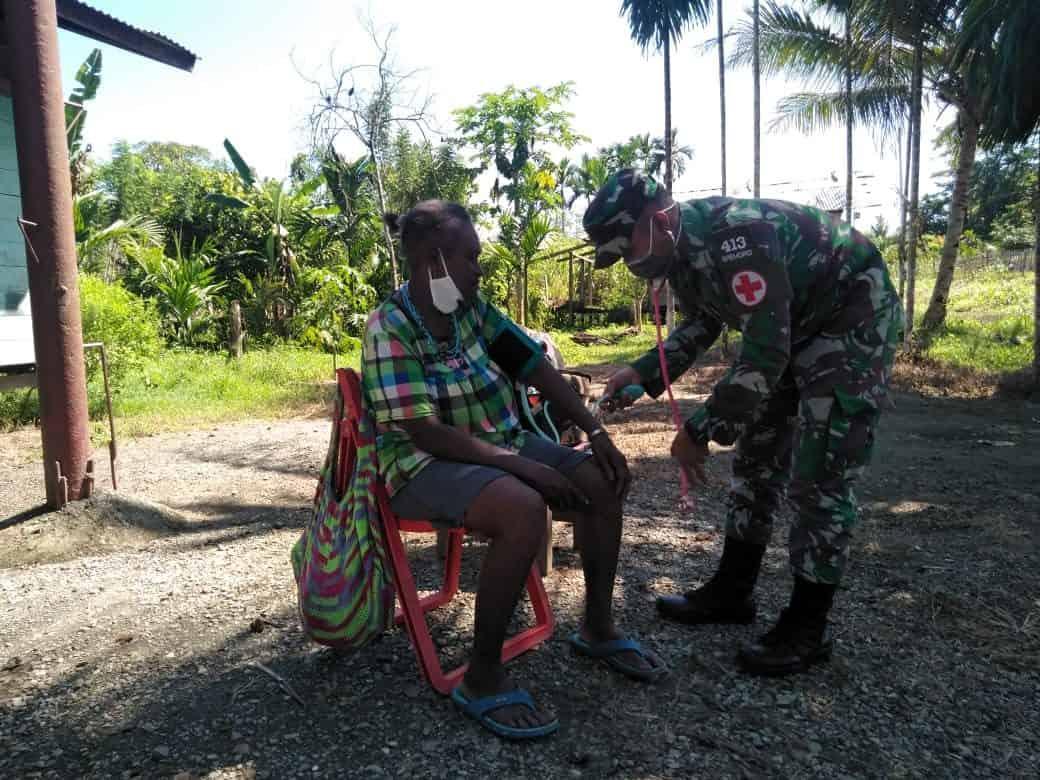 Satgas Yonif 413 Bremoro Komitmen Jaga Kualitas Kesehatan Warga Kampung Kriku