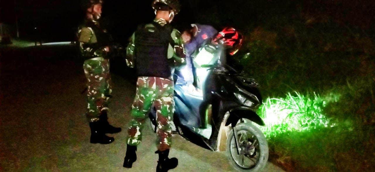 Satgas Pamtas RI-PNG Yonif Raider 100/PS Temukan Munisi Dan Spare Part Senjata Pada Saat Pemeriksaan