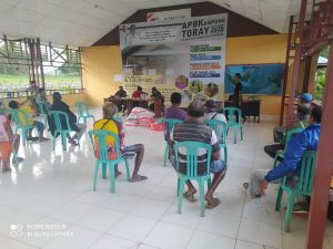 Kasihi Warga Pra Sejahtera, Satgas Yonif 125/Si'mbisa Bantu Distribusikan Bansos