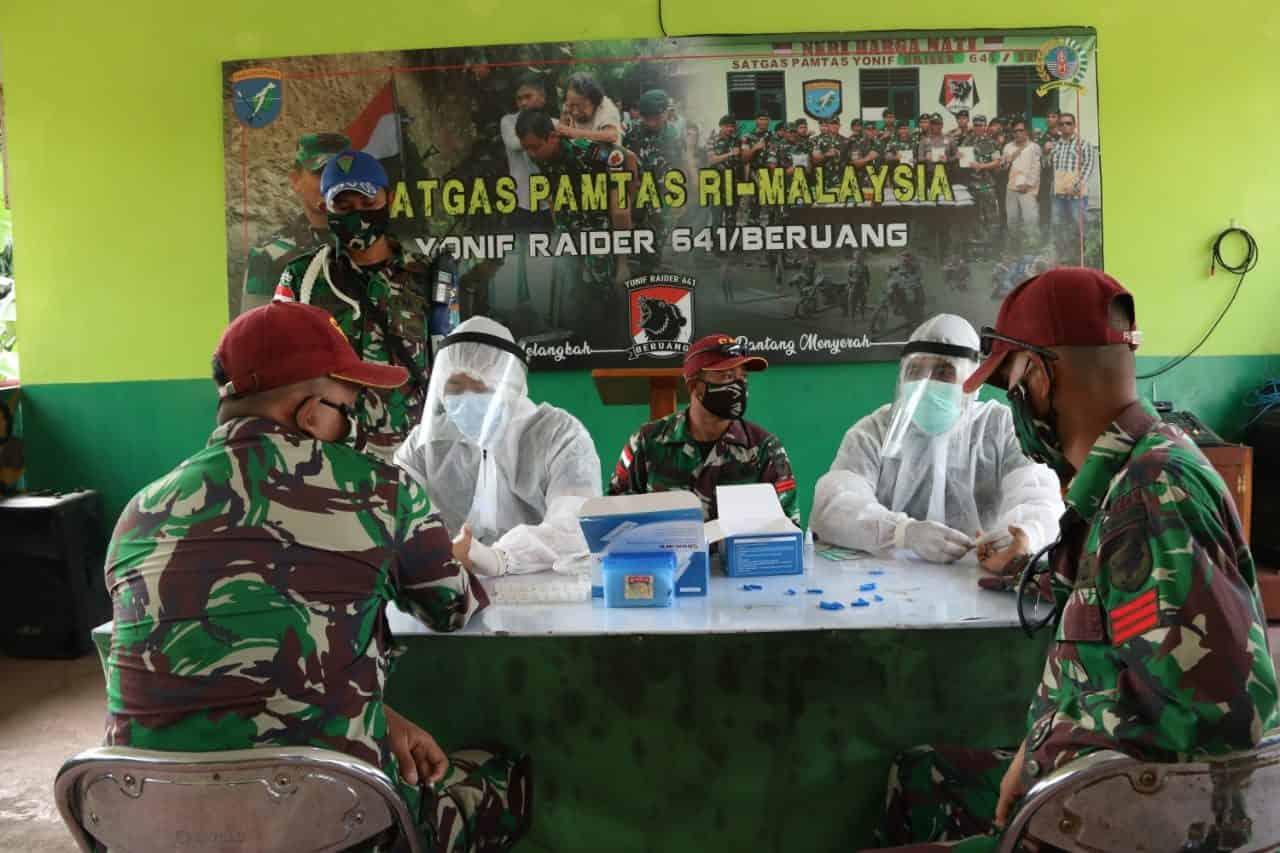 Jelang Purna Tugas, 450 Personel Satgas Yonif R 641Jalani Rapid Test