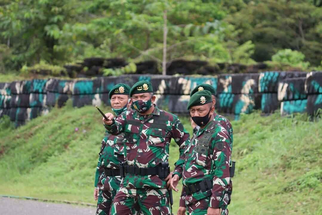 Pangkostrad Letjen TNI Eko Margiyono Kunjungi Yonif 754/ENK/20/3 Kostrad