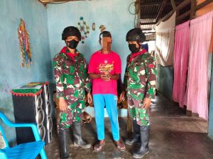 Percaya TNI, Warga Maluku Kembali Serahkan 3 Senpi dan 1 Granat Ke Satgas Yonif RK 732
