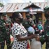 Jelang Peringatan HUT Ke- 75 TNI, Korem 174/ATW Gelar Baksos Di Perbatasan