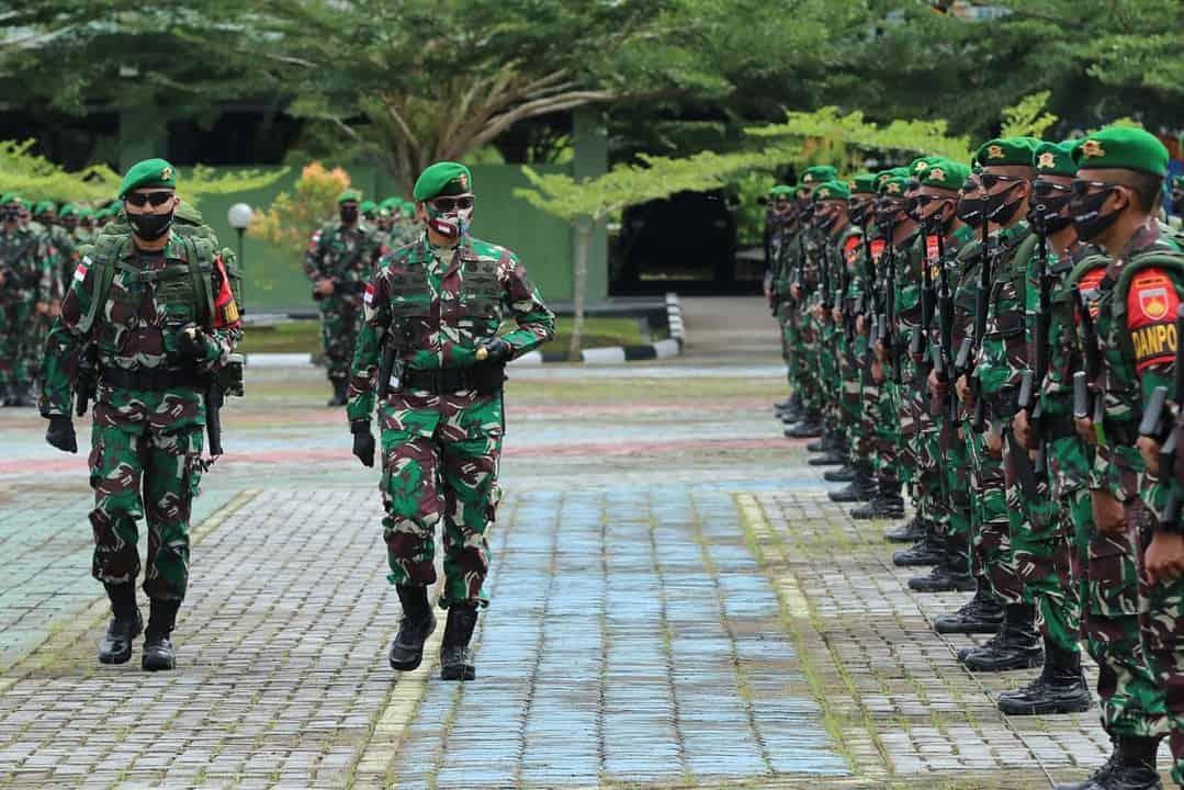 Pangkoopsdam XII/TPR Berangkatkan Satgas Pamtas Yonif 407/PK ke Sektor Timur Kalbar
