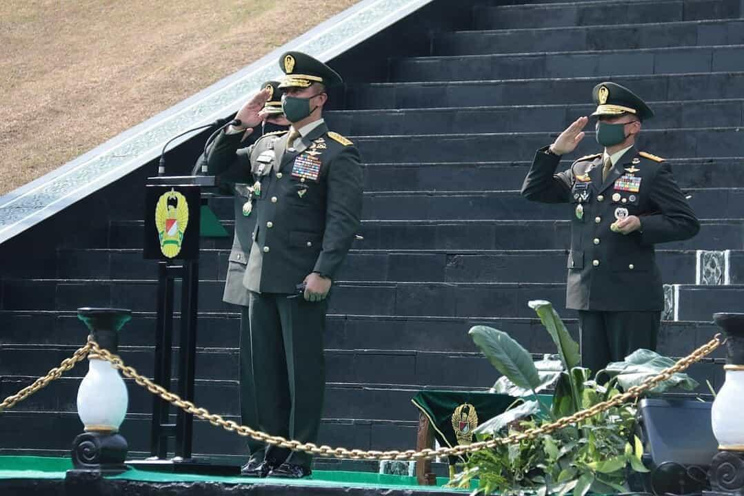 Kasad Lantik 1198 Perwira Lulusan Pendidikan Pembentukan Perwira TNI AD