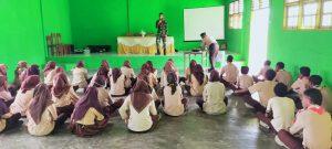 Satgas Yonif RK 732 Gelar Sosialisasi Rekrutmen TNI-AD di SMAN 11 Maluku Tengah