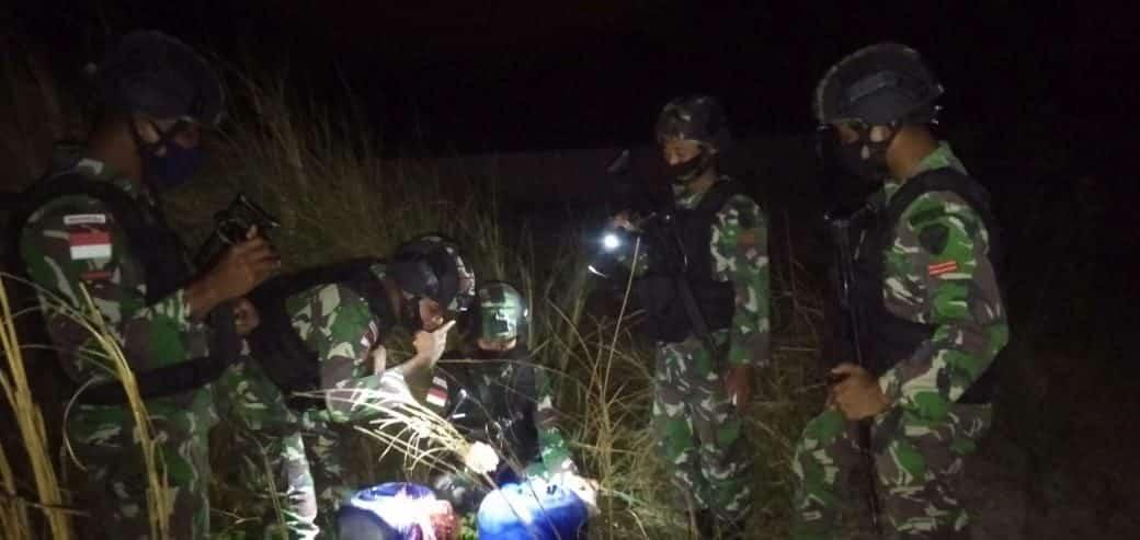 Di Perbatasan RI-RDTL, Satgas Yonif RK 744 Gagalkan Penyelundupan Ratusan Liter BBM