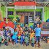 Berbagi Keceriaan Bersama Anak-Anak, Satgas Yonif 413 Kunjungi Panti Asuhan Shalom