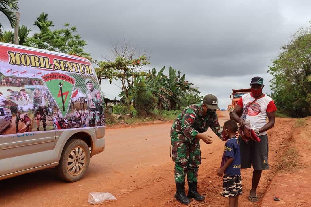 Mobil Senyum Branjangan Buka Jendela Informasi Masyarakat Perbatasan RI-PNG