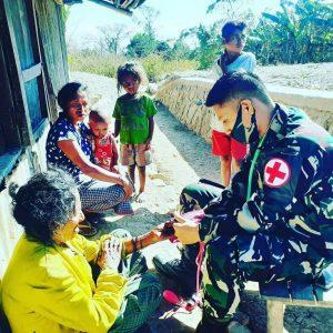 Peduli Kesehatan Balita dan Ibu Hamil, Satgas Yonif 744 Gelar Posyandu di Tohe