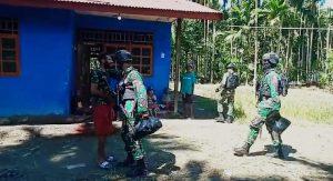 Ringankan Warga Papua Di tengah Pandemi Covid-19, Satgas Yonif Raider 100/PS Bagikan Sembako
