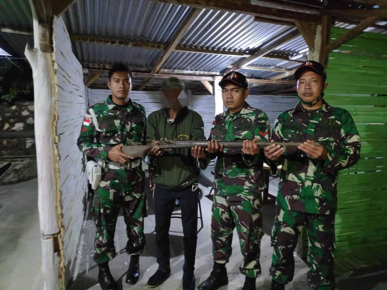 Semakin Dipercaya Masyarakat, Satgas Yonarmed 3/105 Tarik Kembali Terima Penyerahan Senjata